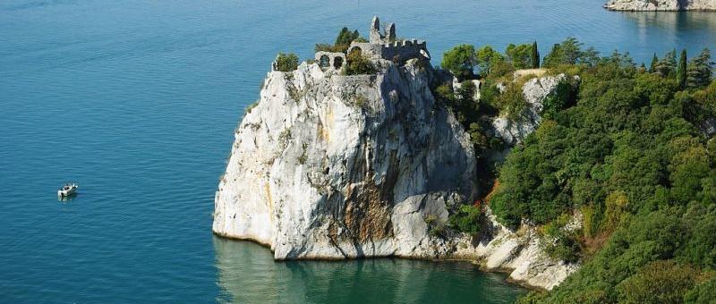 DUINO-AURISINA (Ts). Il Castello di Duino.