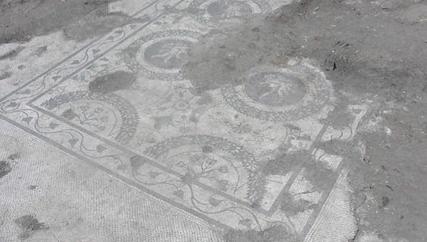 """AQUILEIA (Ud). Via Gemina, scavo archeologico della """"casa dei putti danzanti""""."""