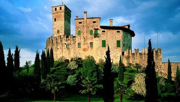 FAGAGNA (Ud). Fraz. Villalta – Castello.