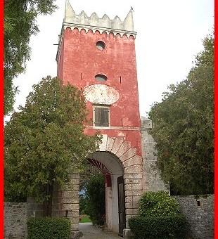 TARCENTO (Ud). Castello di Villafredda.